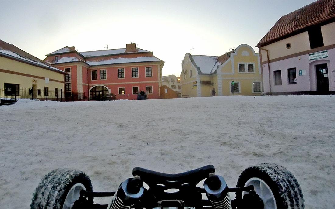 Netradiční pohled na Kopáčkovo nádvoří ze začátku tohoto roku I foto: DeePee