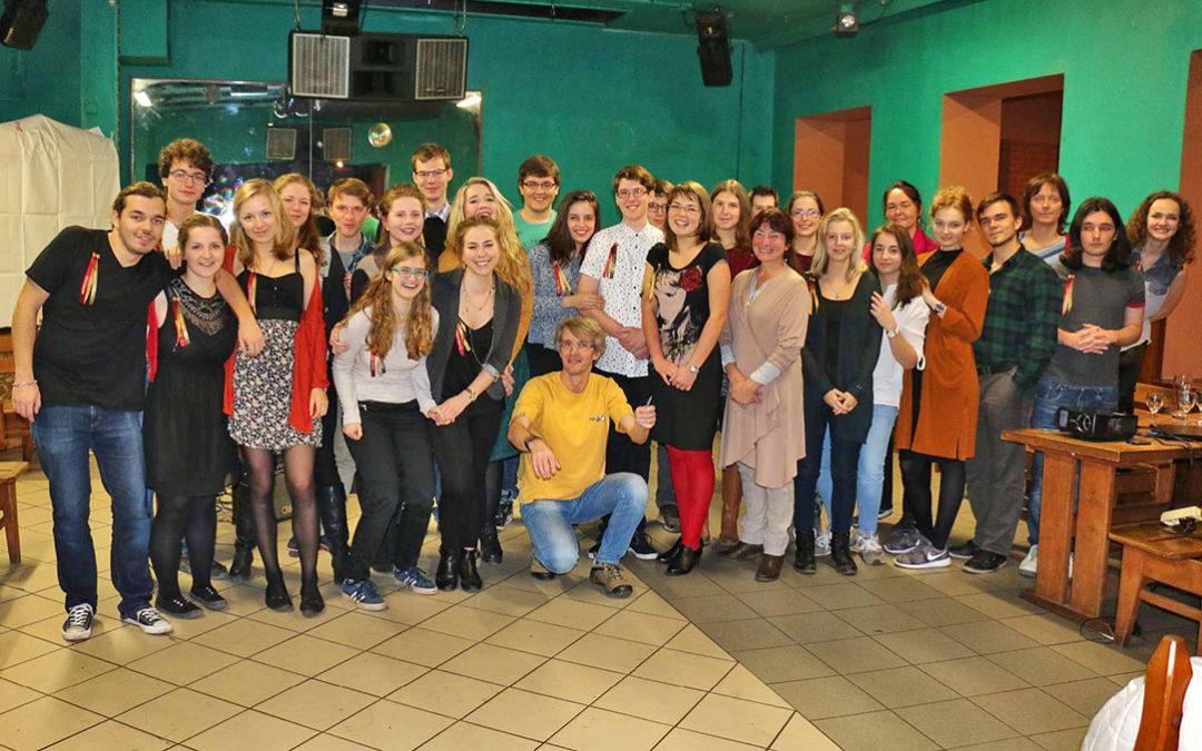 VIDEO: A je to tady! V pořadí již druhý maturitní ples Gymnázia Karla Čapka v Dobříši!