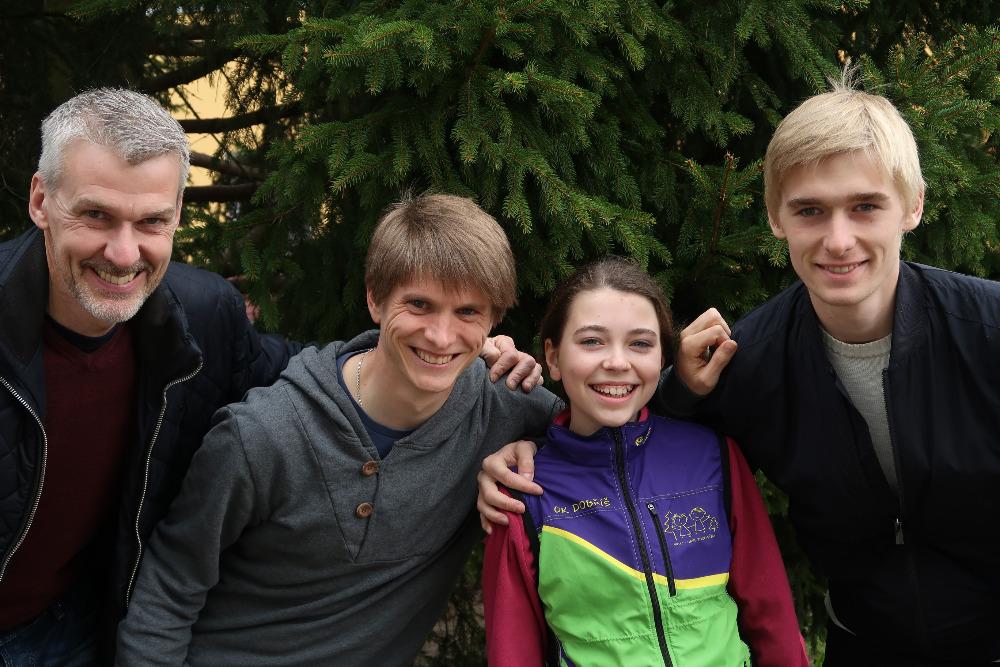 Švédští závodníci a děti z OK Dobříše na společném soustředění v Doksech   I  I  foto: Kamil Arnošt