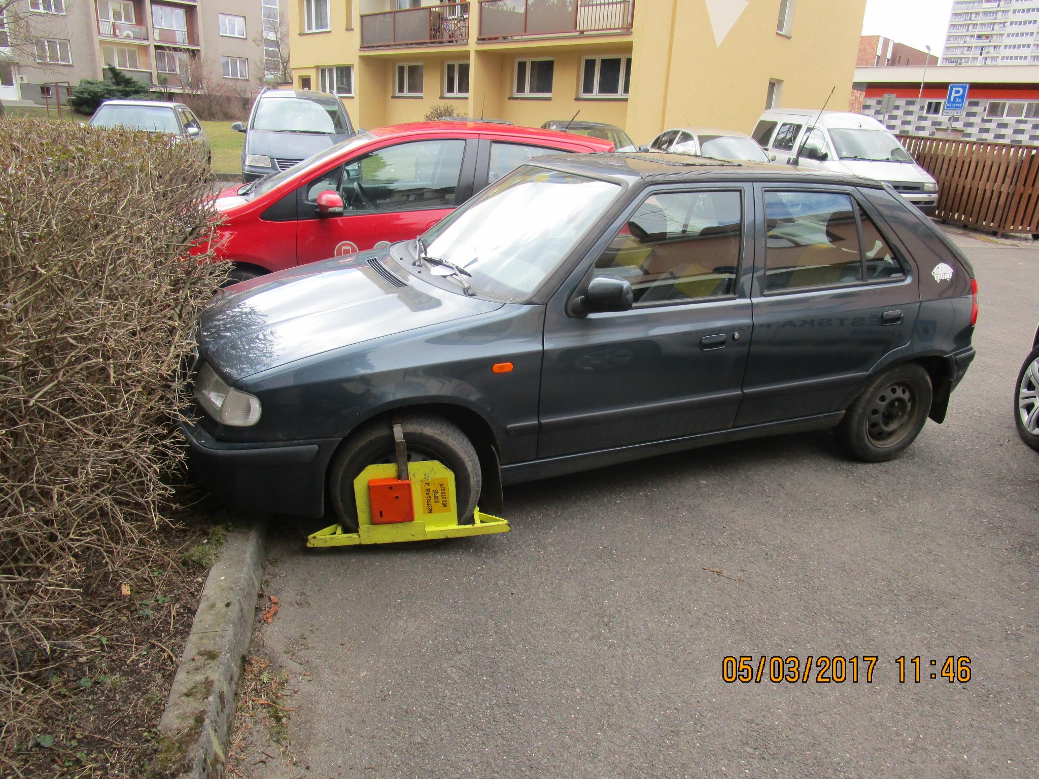 Osazená botička  I  foto: MP Dobříš