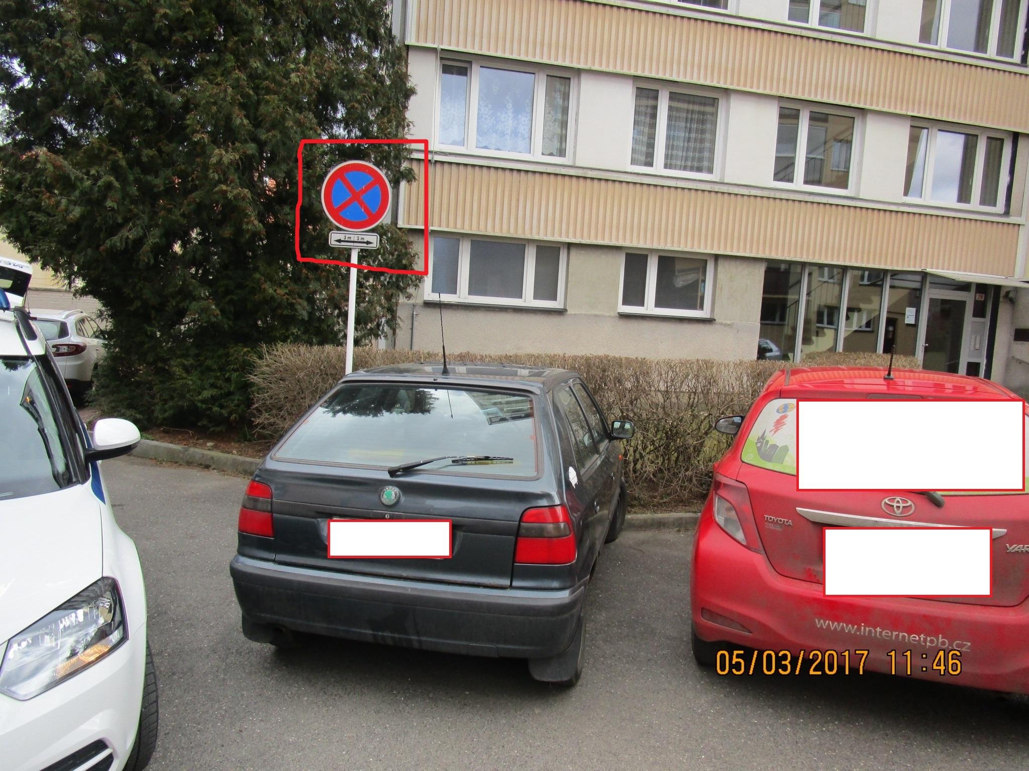 Stání v zákazu zastavení  I  foto: MP Dobříš