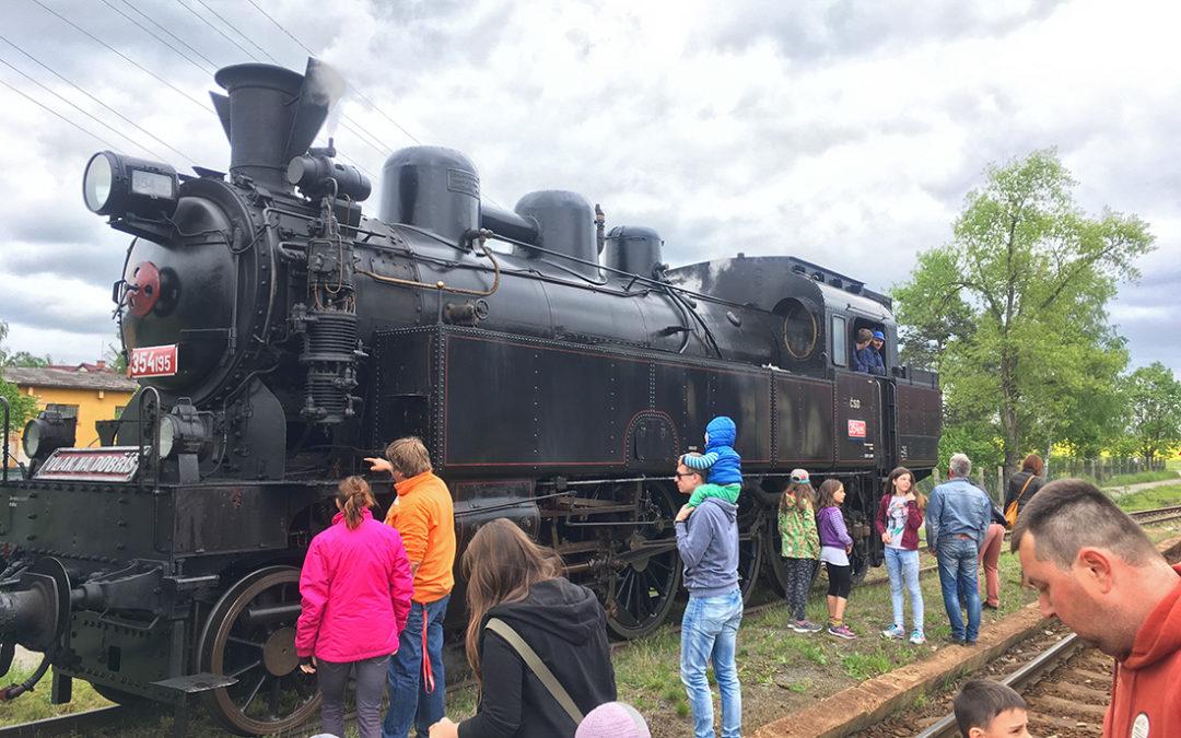 VIDEO: Projížďka parním vlakem přinesla radost velkým i malým