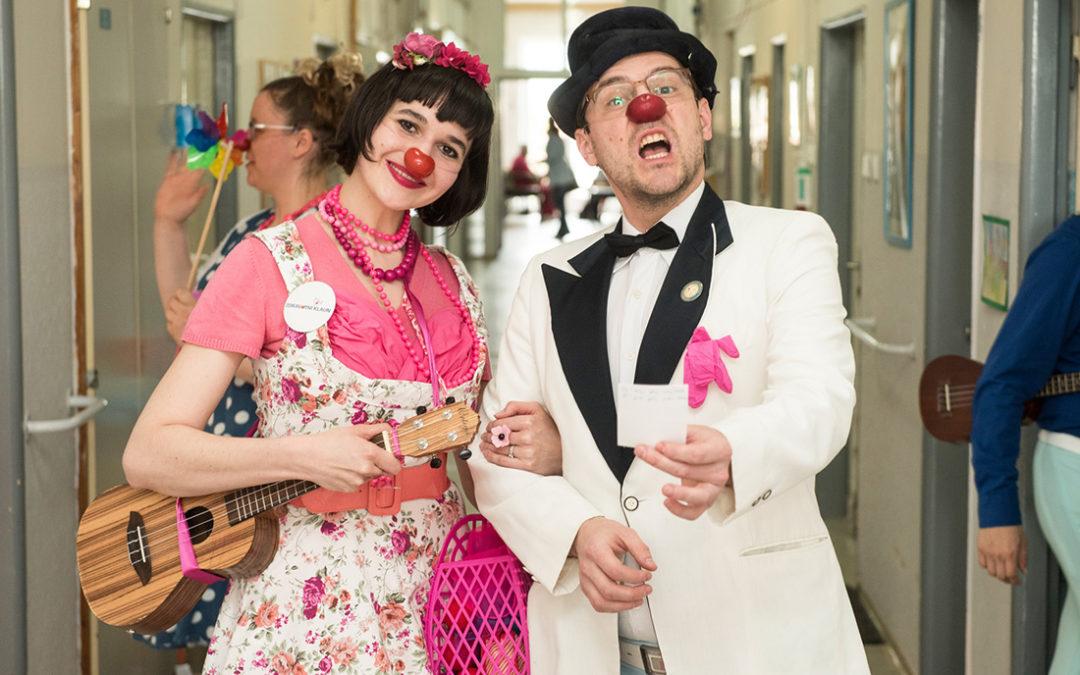 Zdravotní klauni přišli potěšit pacienty na oddělení následné péče