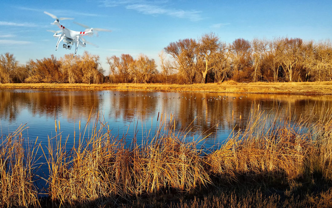 Během pátrání po nezvěstném policie nasadila dron i vrtulník