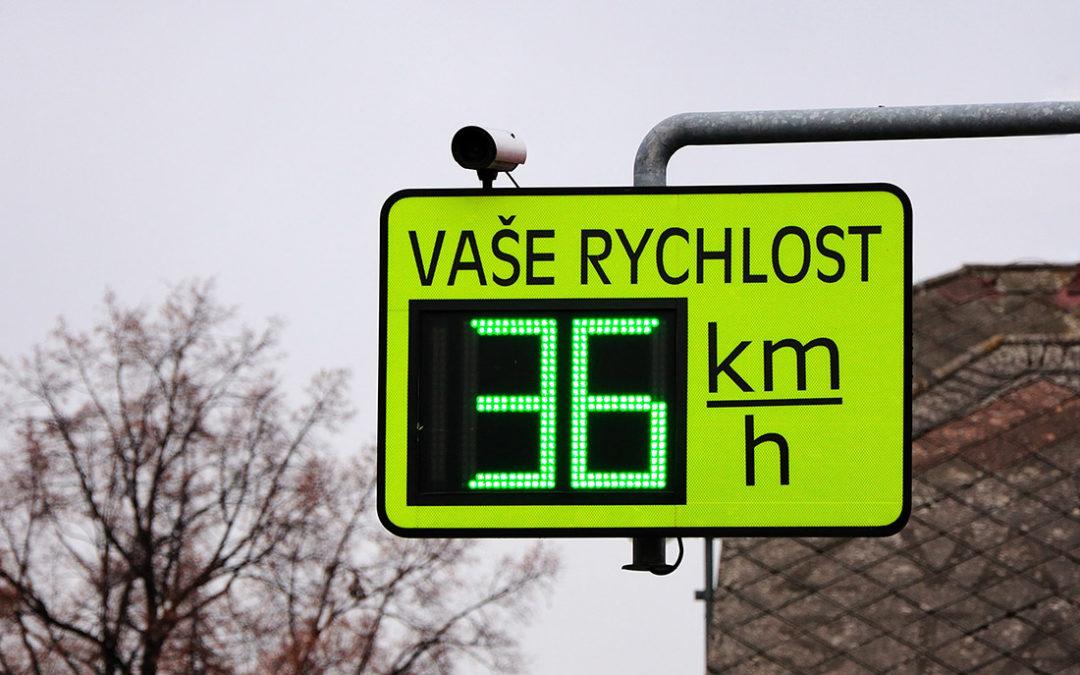 Spuštění úsekového měření v ulici Plk. B. Petroviče zkomplikovaly technické problémy
