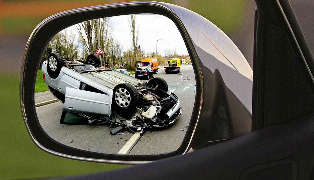Řidička bouraného vozidla utekla od nehody v Novém Kníně