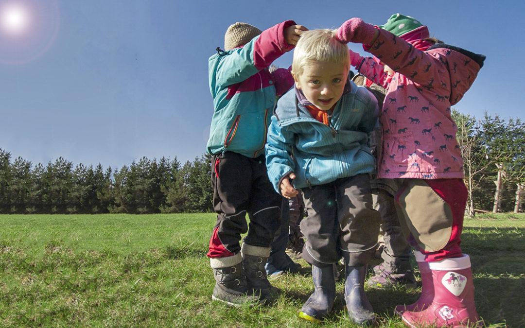 Mokrovratská lesní školka chce otevřít i lesní školu, v tom však potřebuje pomoc