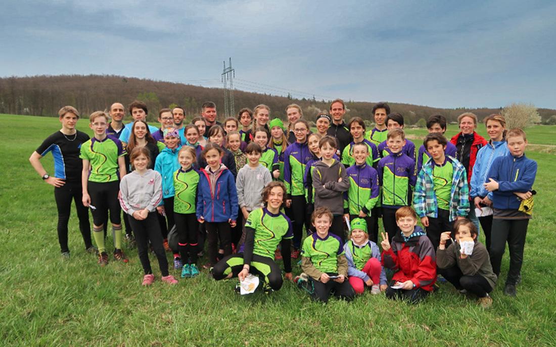 Švédští závodníci a děti z OK Dobříše na společném soustředění v Doksech  I  foto: Kamil Arnošt
