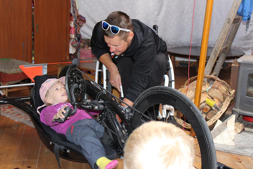 Děti si Honzovu návštěvu i praktické ukázky velice užily  I  foto: Šárka Spáčilová