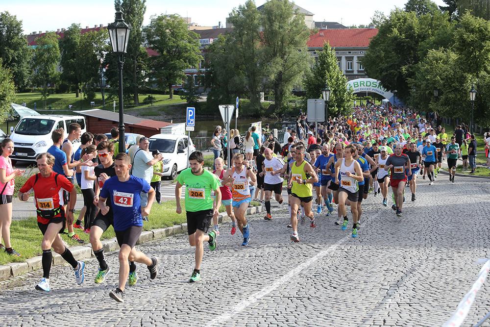 Na startovní čáře se potká velké množství běžců  I  foto: PPM