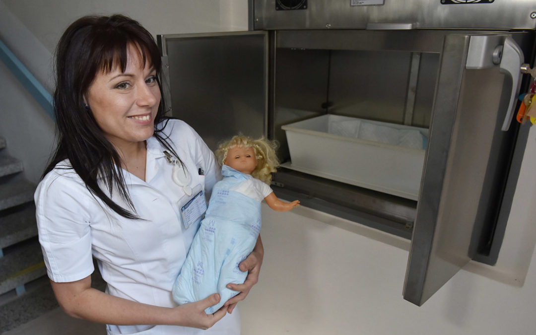Příbramská nemocnice otevřela nový babybox