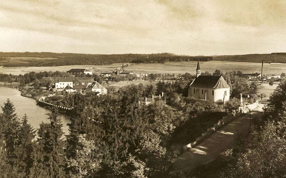 Pohled na kostel z roku 1934  I  foto: archiv města Dobříše