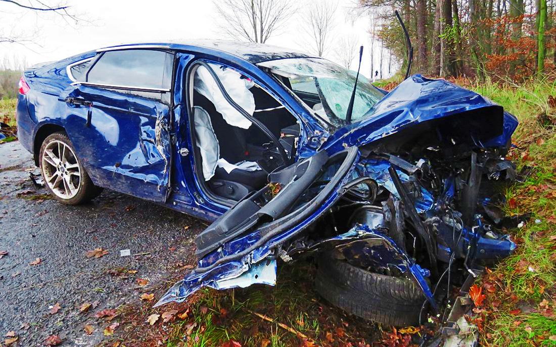 Nehoda ze dne 22. listopadu v obci Nový Knín. Během nehody došlo k těžkému zranění, škoda byla vyčíslena na 300 tisíc korun
